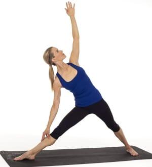 la posture du triangle en yoga Trikonâsana