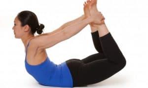 posture de l'arc en yoga