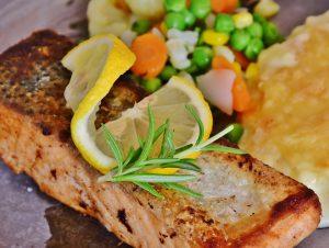saumon et légumes pour un équilibre alimentaire