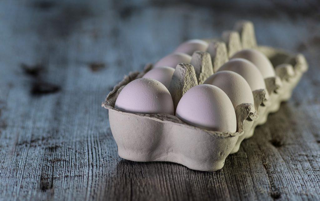 œufs dans une boîte