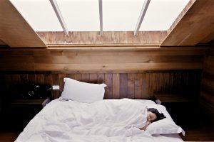 femme dort mode de vie sain