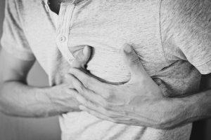 douleur poitrine cholestérol