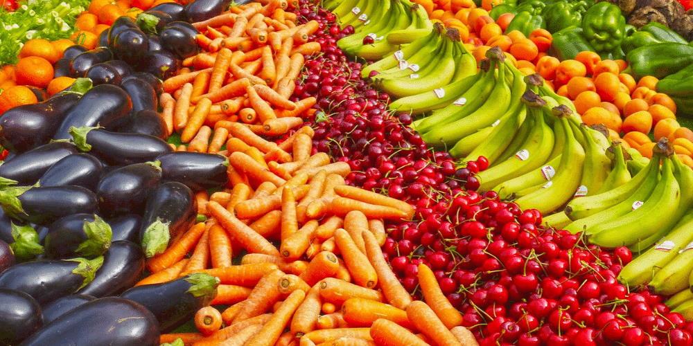 Fruits et legumes sur étalages