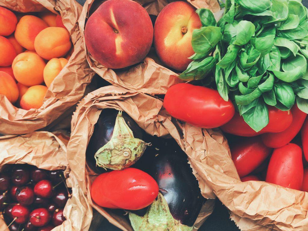 Fruits et légumes frais dans des sachets à acheter en supplément du Régime Dietbon